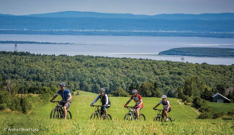 cyclistes au Mont Saint-Anne