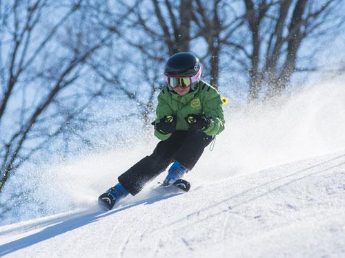 jeune skieur au Mont Sainte-Anne