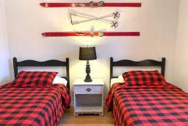 Le 1765, chambre avec deux lits simple